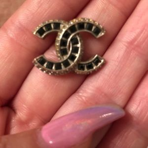Jewelry - willing to buy matching piece